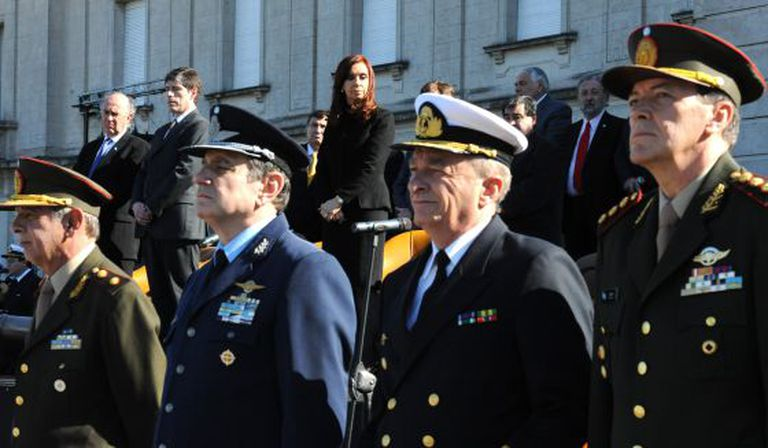 General César Milani (far right) with other top members of the armed forces on July 3.