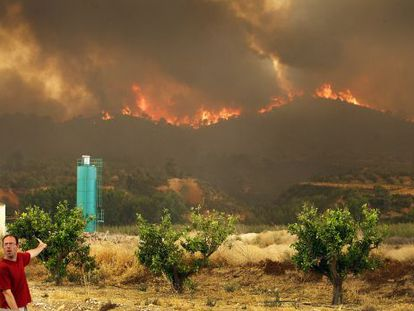 A view of the blaze which started in Cortes de Pallás and Andilla, inland from the city of Valencia.