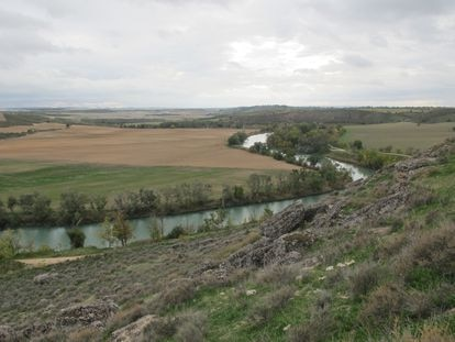 View of the Tagus River from the Caraca archeological site in Driebes, Guadalajara.