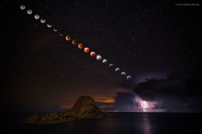 Hervás's image of the eclipse in Ibiza.