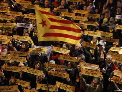 A march to support Catalan politicians in pre-trial detention.