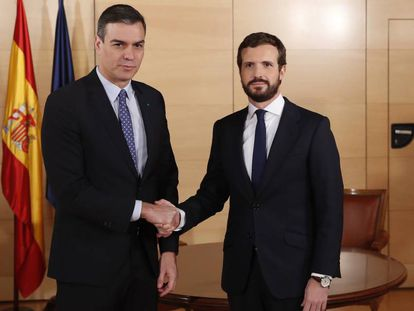 Caretaker Prime Minister Pedro Sánchez and PP leader Pablo Casado on Monday.