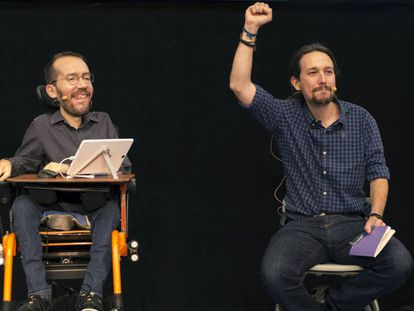 Pablo Iglesias and Pablo Echenique at a meeting last week in Córdoba.