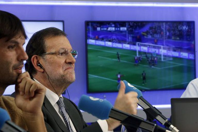 Prime Minister Mariano Rajoy commenting on a Champions League game.
