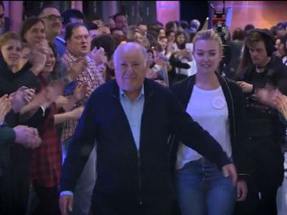 Inditex founder Amancio Ortega applauded by staff at company headquarters on ocassion of his 80th birthday