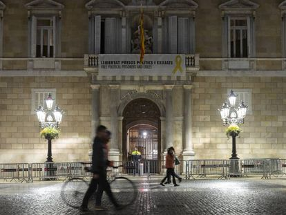 A yellow ribbon outside the regional government building in Barcelona.