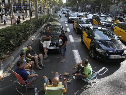 Barcelona taxi drivers camping out on the streets.