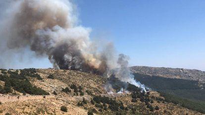The blaze in La Morcuera.