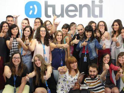 Members of Tuenti Móvil's customer service department.