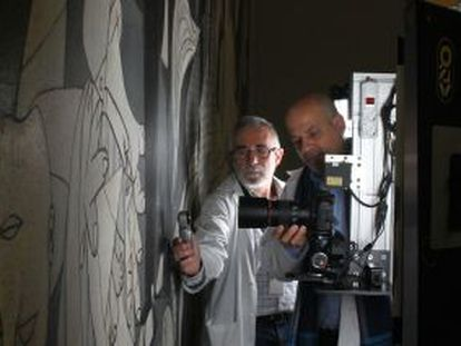 The robotic imaging machine, which has been given the nickname Pablito, at work during the closing hours of the Reina Sofía Museum in Madrid.