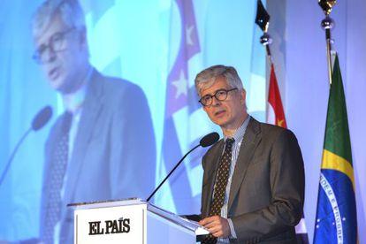 EL PAÍS editor Javier Moreno speaking in São Paulo on Tuesday.