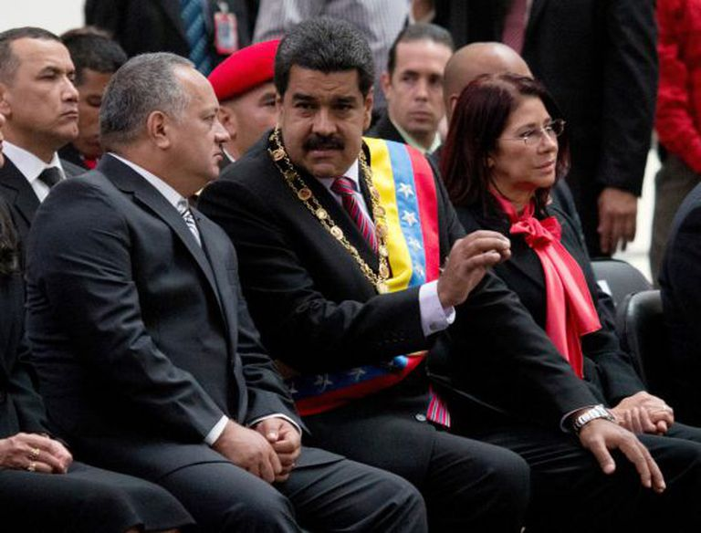 From left: outgoing assembly speaker Diosdado Cabello, President Nicolás Maduro and first lady Cilia Flores, seen on Thursday.