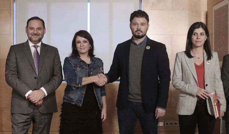 From left: PSOE negotiators José Luis Ábalos and Adriana Lastra with ERC opposite numbers Gabriel Rufián and Marta Vilalta, pictured in November.