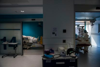 The intensive care unit at Madrid's Ramón y Cajal Hospital.