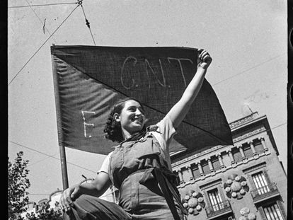 'Militiawoman at a barricade on Hospital street, July 1936', by Antoni Campañà