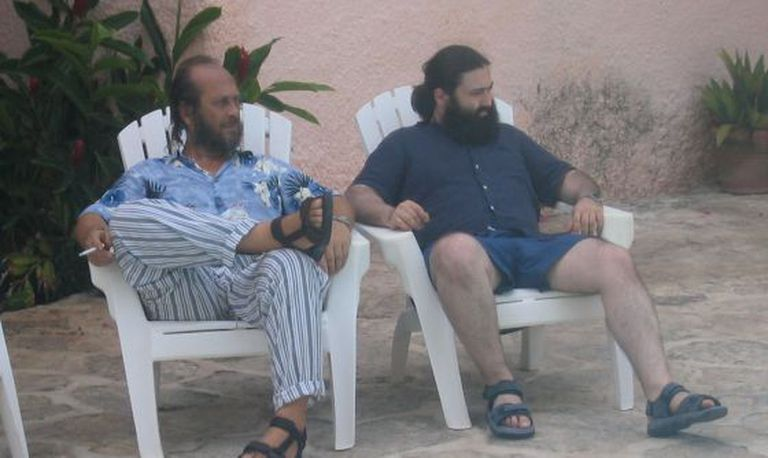 Paco de Lucía (left) and Javier Limón in Cancún.