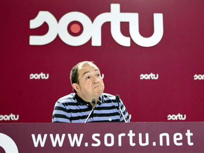 Sortu spokesman Pernando Barrena during a press conference Sunday.