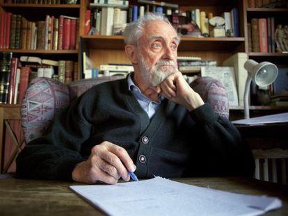 José Luis Sampedro, pictured in 2000.