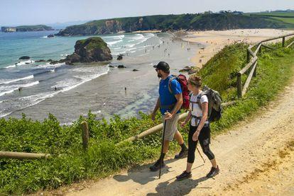 The coastal path at the Asturian beach of Peñarronda.