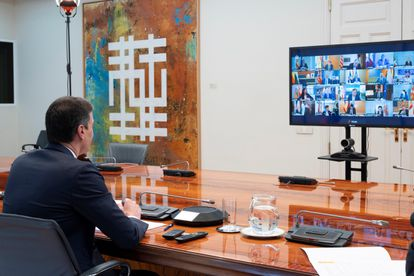 PM Sánchez during his video conference call on Sunday with regional leaders.