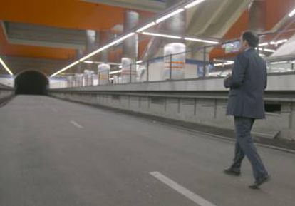 A stretch of unused tunnel at Chamartín has been asphalted.