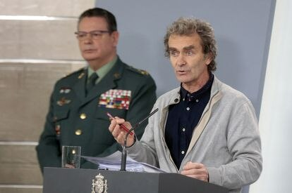 Fernando Simón, the director of the Health Ministry's Coordination Center for Health Alerts, speaks to the press on Monday.