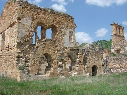 Remains of the convent of Santa María de Óvila in Trillo (Guadalaraja).