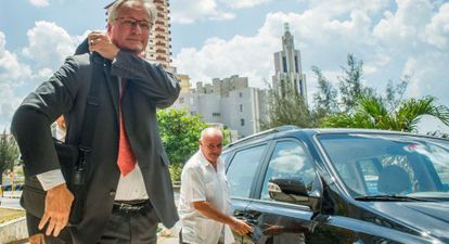 Members of the European Service for Exterior Action arrive in Havana for talks.