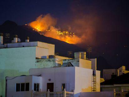 Fire near Agaete in Gran Canaria on Monday night.