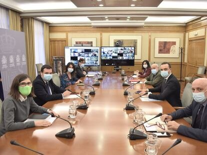 A meeting of central and regional health authorities on October 14.