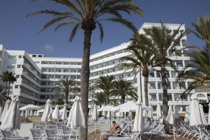 The Thomas Cook-run hotel Sunwing Seafront hotel was practically empty last Friday.