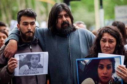 The parents of Lucía Pérez at a march to demand justice for their daughter.