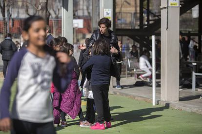Under the plans, parents would be able to request that their children be taught in Spanish.