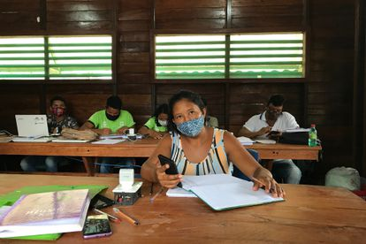 Luciane do Nascimento, a mother of eight, attending the first course in sustainable development, run by the FAS.