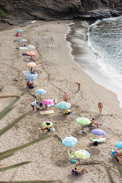 Nudist beach Benalnatura in Benalmádena.