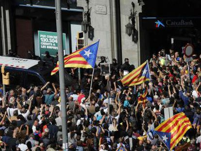 Carles Puigdemont criticizes the raids and arrests of Wednesday morning and warns that the October 1 referendum will take place no matter what