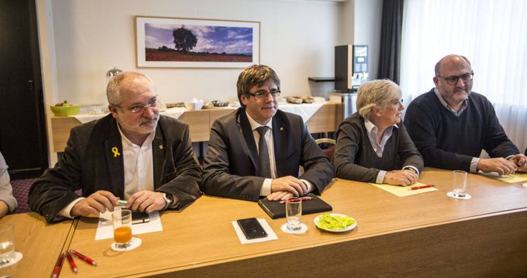 Former Catalan premier Puigdemont with Lluis Puig, Clara Ponsatí and Eduard Pujol.