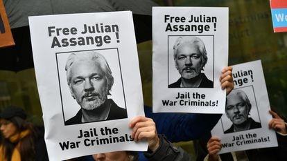 Demonstrators showing support for Julian Assange in London on October 21, 2019.