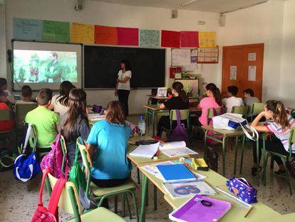 Students attend a talk on LGBTQ+ rights in Murcia.