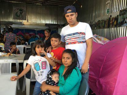 Carmen, Josué and their three children in Tijuana
