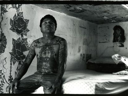 'Untitled' (1995) from the series 'Internos' (Inmates).