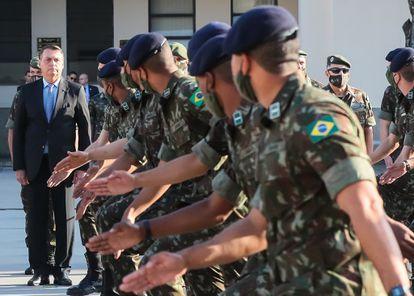 President Jair Bolsonaro at a graduation ceremony in Agulhas Negras Military Academy in Resende, Río de Janeiro, on September 24, 2020.