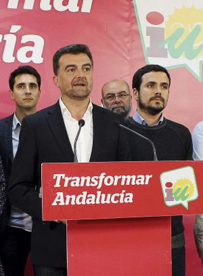 Izquierda Unida's candidate to the regional premiership, Antonio Maillo, conceded defeat after his group's poor performance at Sunday elections.