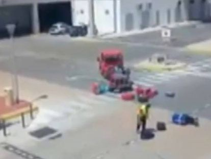 VIDEO: Spanish airport employee caught violently kicking bags