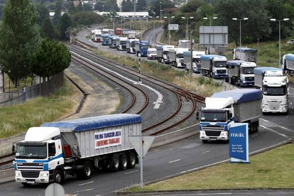 Coal truck protest at the As Pontes power plant in Ferrol.