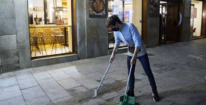 """supposedly """"Covid Cafes Terraces"""" will have a closing time at midnight in Madrid."""