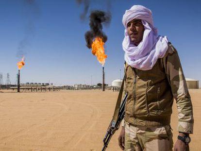 A Tuareg from the Sahara Brigade guarding an oil well near the Algerian border.