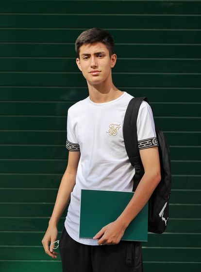 Víctor Hernando, 17, thinks education officials don't really know what they're doing.