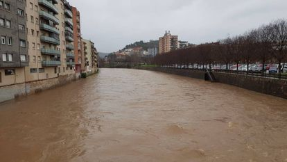 Girona is on alert due to the risk of the Onyar river bursting its banks.