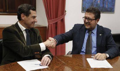 Juanma Moreno of the PP and Francisco Serrano of Vox.